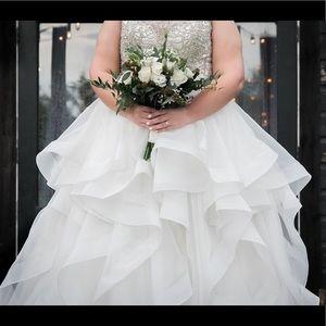 Allure Bridals Wedding Dress Style C380